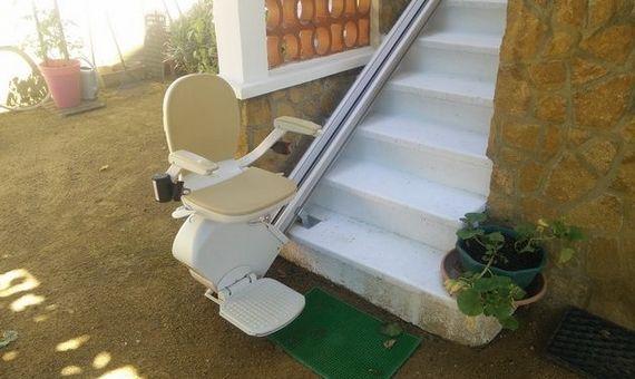 Image de siège monte escalier droit extérieur
