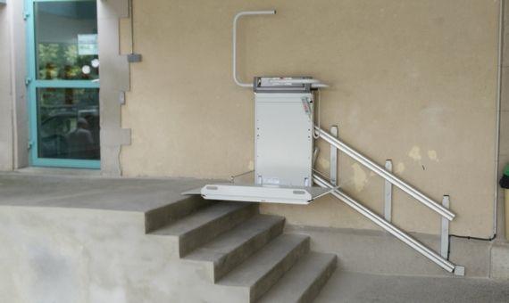 Plateforme Monte Escalier Droit Securacces